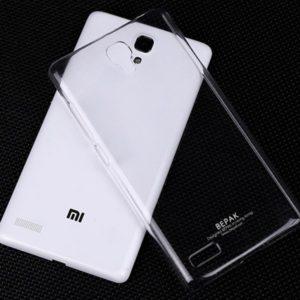 Togliere l'aria dalle cover in plastica rigida per smartphone